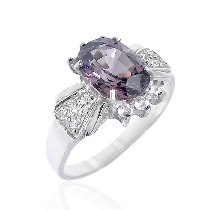 Кольцо серебряное с натуральной шпинелью размер 18.5