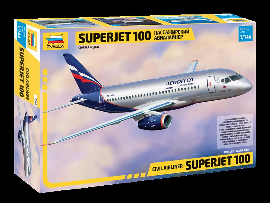 Региональный пассажирский авиалайнер Superjet 100. 1/144 ZVEZDA 7009