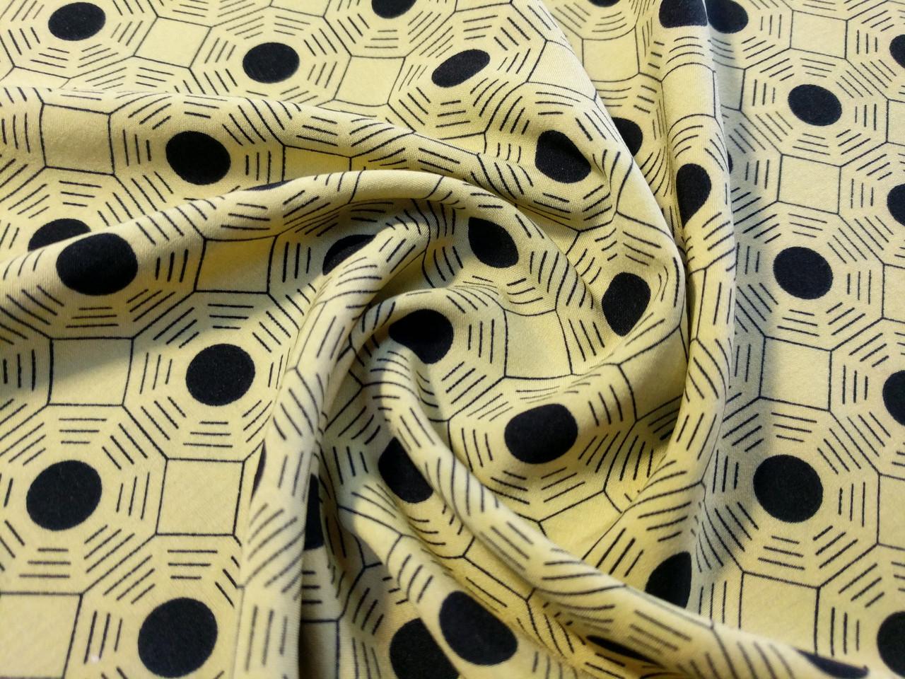 Французская вискоза софт геометрия, бледно-желтый