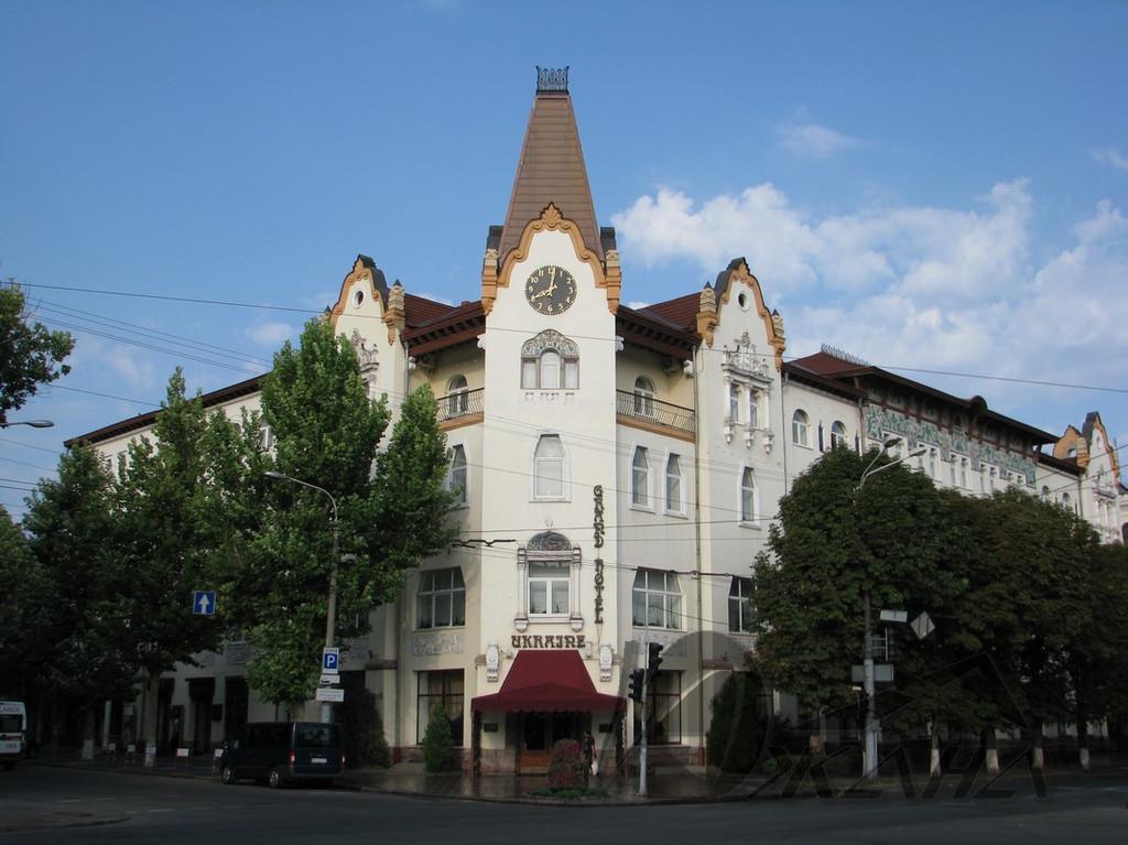 """Отель """"Украина"""", г. Днепропетровск, ул. Короленко, 25."""