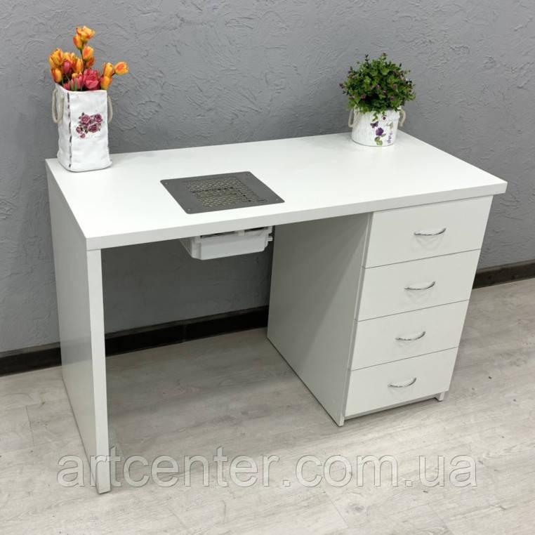 Компактный стол для маникюра с ящиками