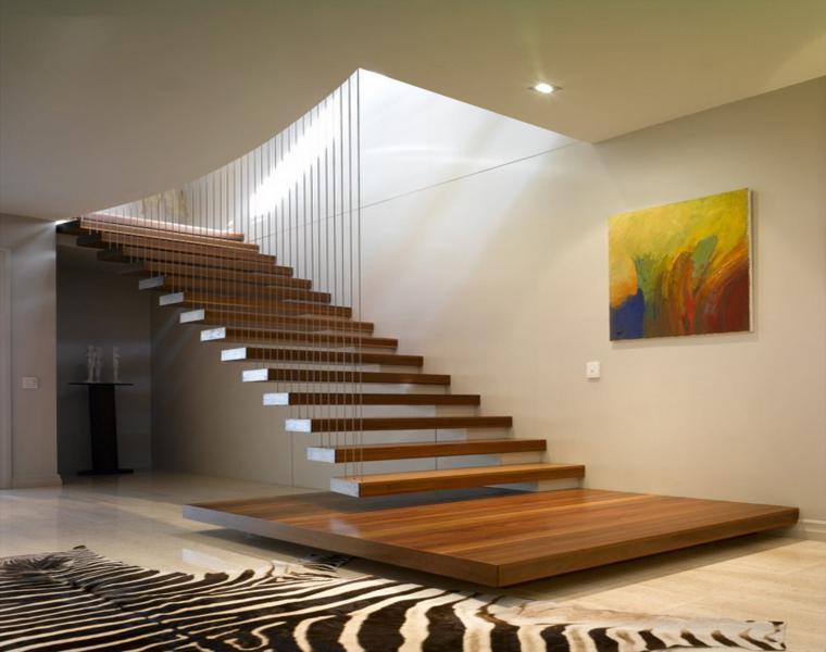Лестница с натурального дерева