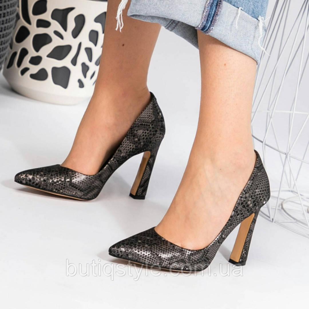 Женские черные туфли-лодочки с тиснением натуральная кожа