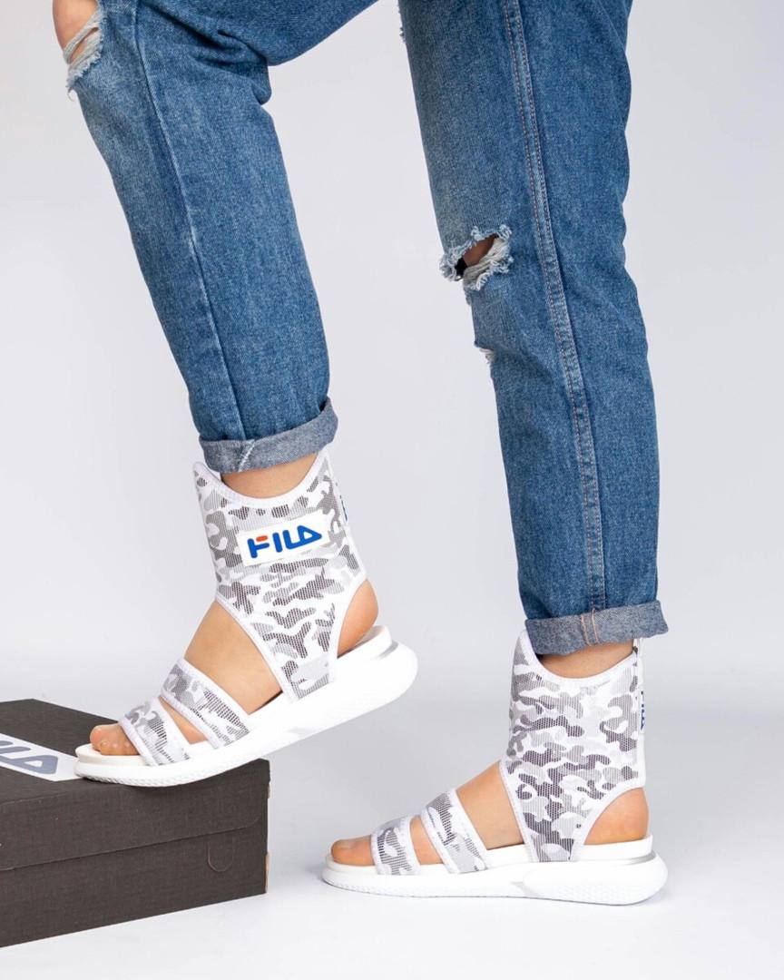Спортивные высокие сандалии серые