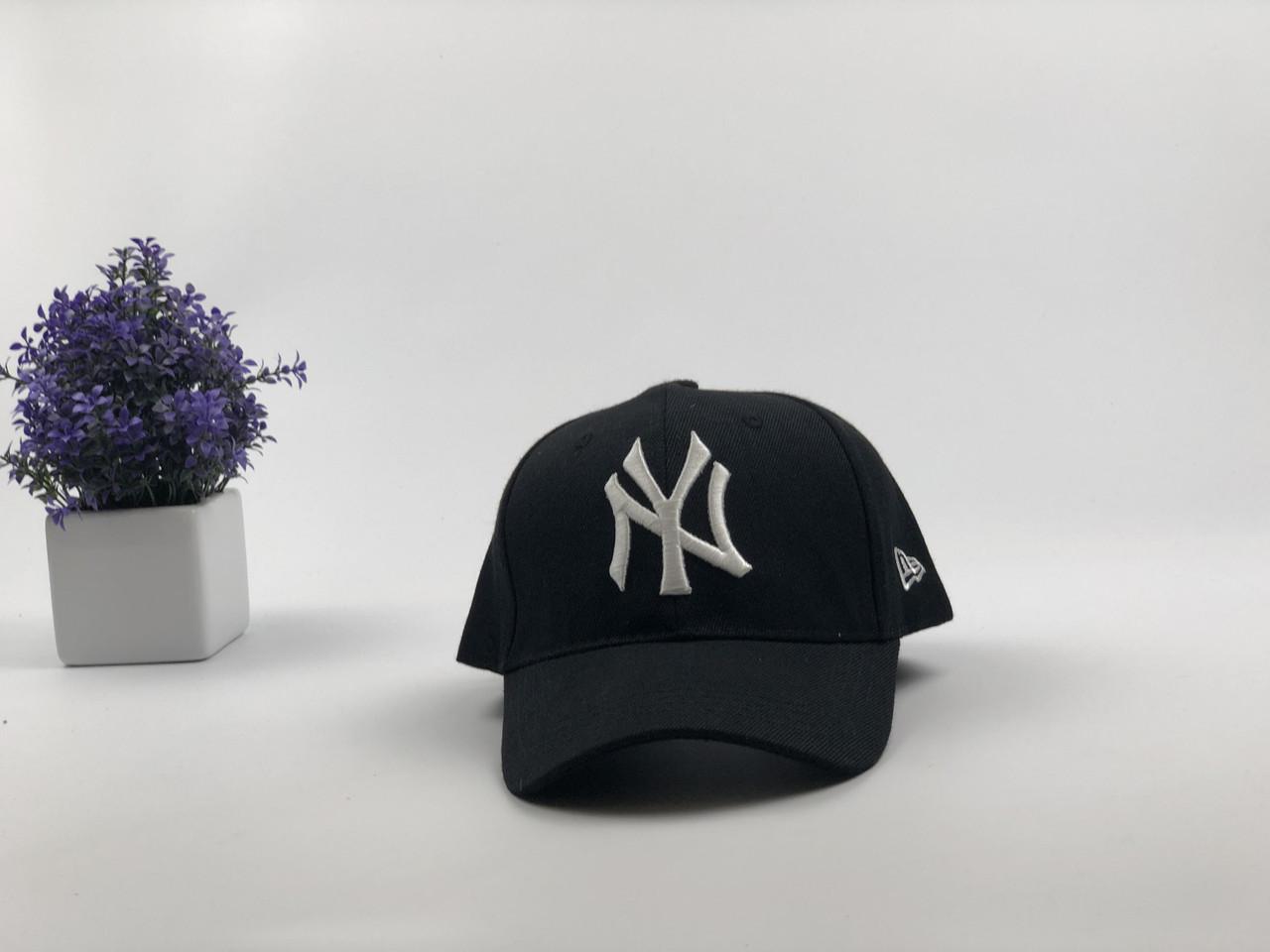 Кепка бейсболка New York Yankees с наклейками (черная, белый лого)