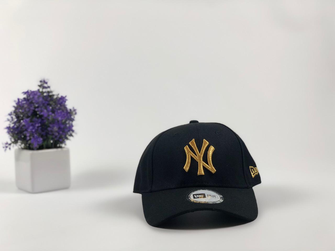 Кепка бейсболка New York Yankees с наклейками (черная, золотой лого)