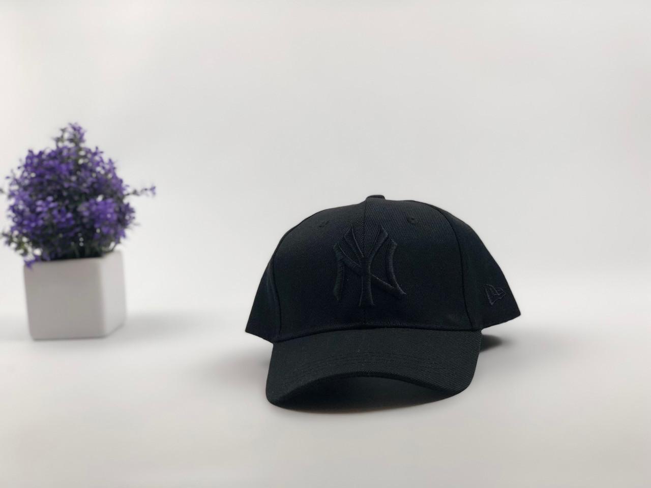 Кепка бейсболка New York Yankees (черная с черным лого)