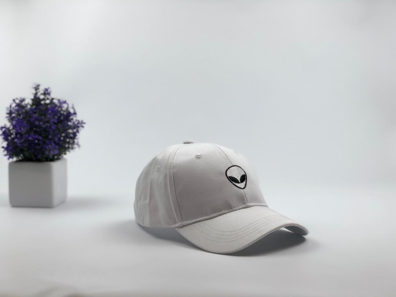 Кепка бейсболка Alien белая