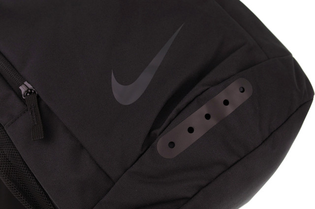 sports-backpack-nike-000033