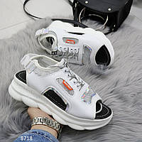 Женские спортивные босоножки/ кроссовки с открытым носком и пяткой белые с серебром, фото 1