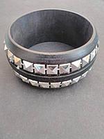 [6см] Браслет женский, твёрдый, черный, с инкрустацией из декоративных камней вдоль всей окружности