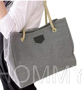 Женская повседневная сумка из плотной ткани.