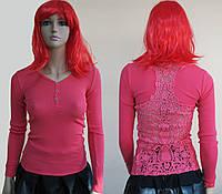 """Женская футболка """"Секрет"""" с длинным рукавом и ажурной вставкой по спине"""