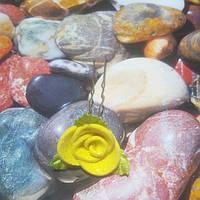 Роза на шпильке из глитерного фоамирана, желтая