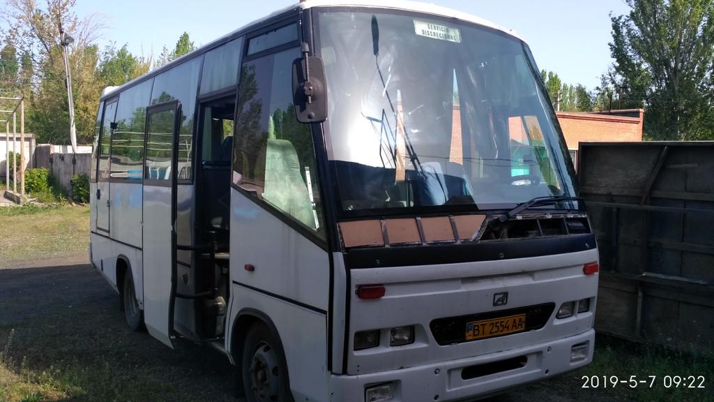 Производств и замена лобового стекла триплекс на автобусе MAN 9.150 Beulas в Никополе (Украина).