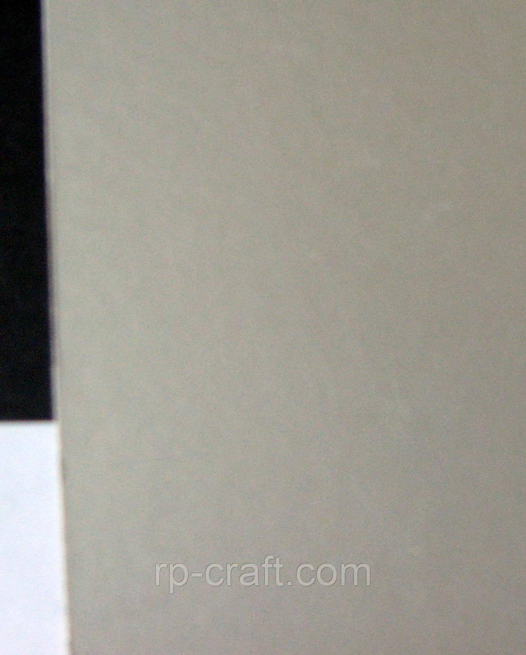 Картон кольоровий двосторонній, срібний глянець, щільність 250 гр/м ;  20х29,5 см