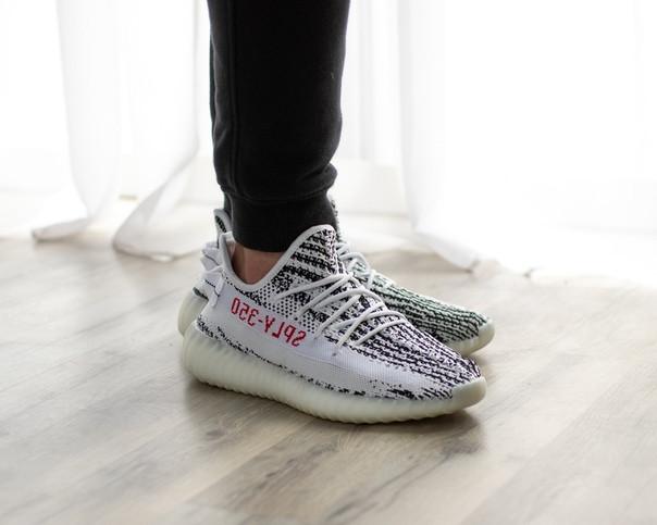 Женские кроссовки в стиле Adidas Yeezy Boost 350 V2 Zebra  (36, 37 размеры)