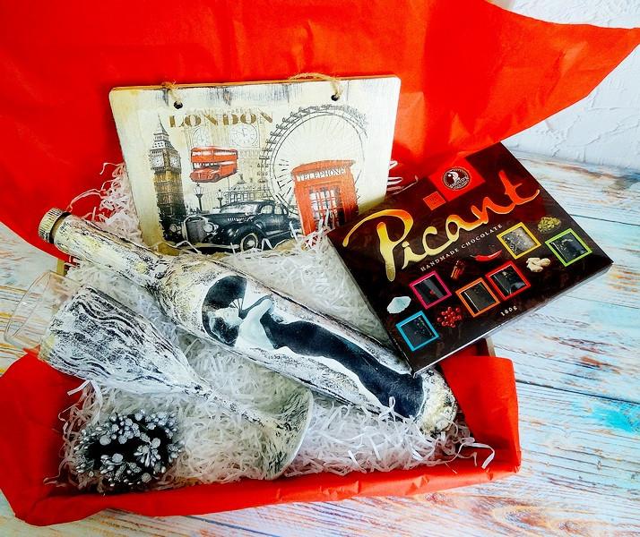 Оригинальный подарок для женщин - набор Ретро | Ukrainian Gift Box