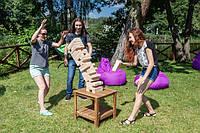 "Игра для отличного времяпровождения на природе, на пикнике, на пляже ""Shaky Tower XL"" Giant Jenga"