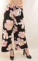 Брюки женские летние укороченные с цветочным рисунком и поясом Оптовая цена 1$ за единицу, фото 2