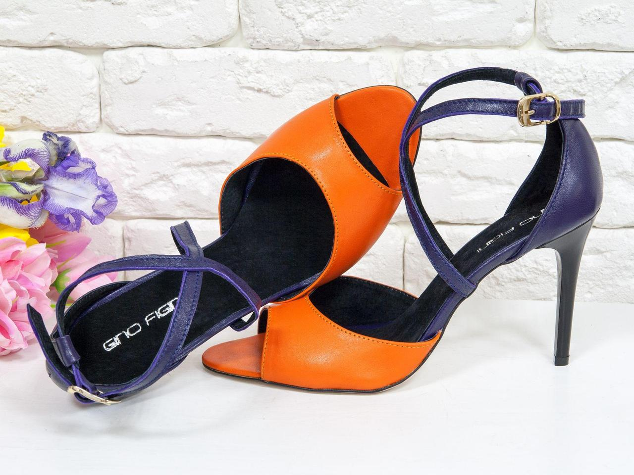 Стильные босоножки с открытым носиком из натуральной кожи оранжевого и фиолетового цвета, на каблуке-шпильке