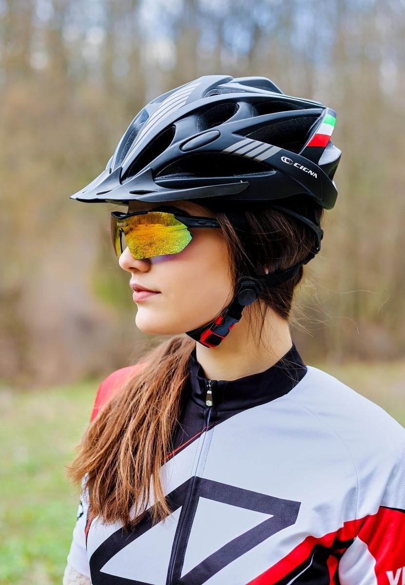 Шлем велосипедный с козырьком СIGNA WT-036 L (58-61 см) (черный)