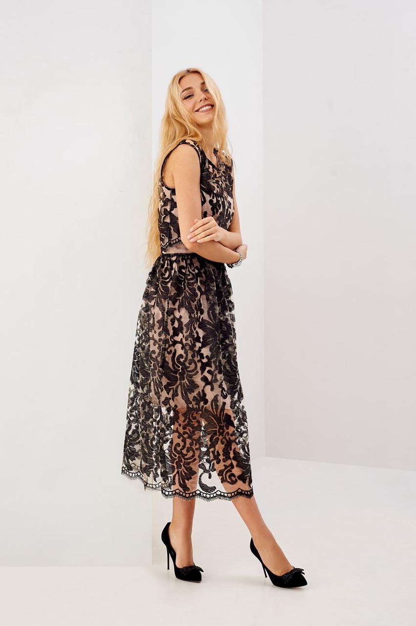 3a8a423e85f Нарядное летнее платье с черным кружевом размер С