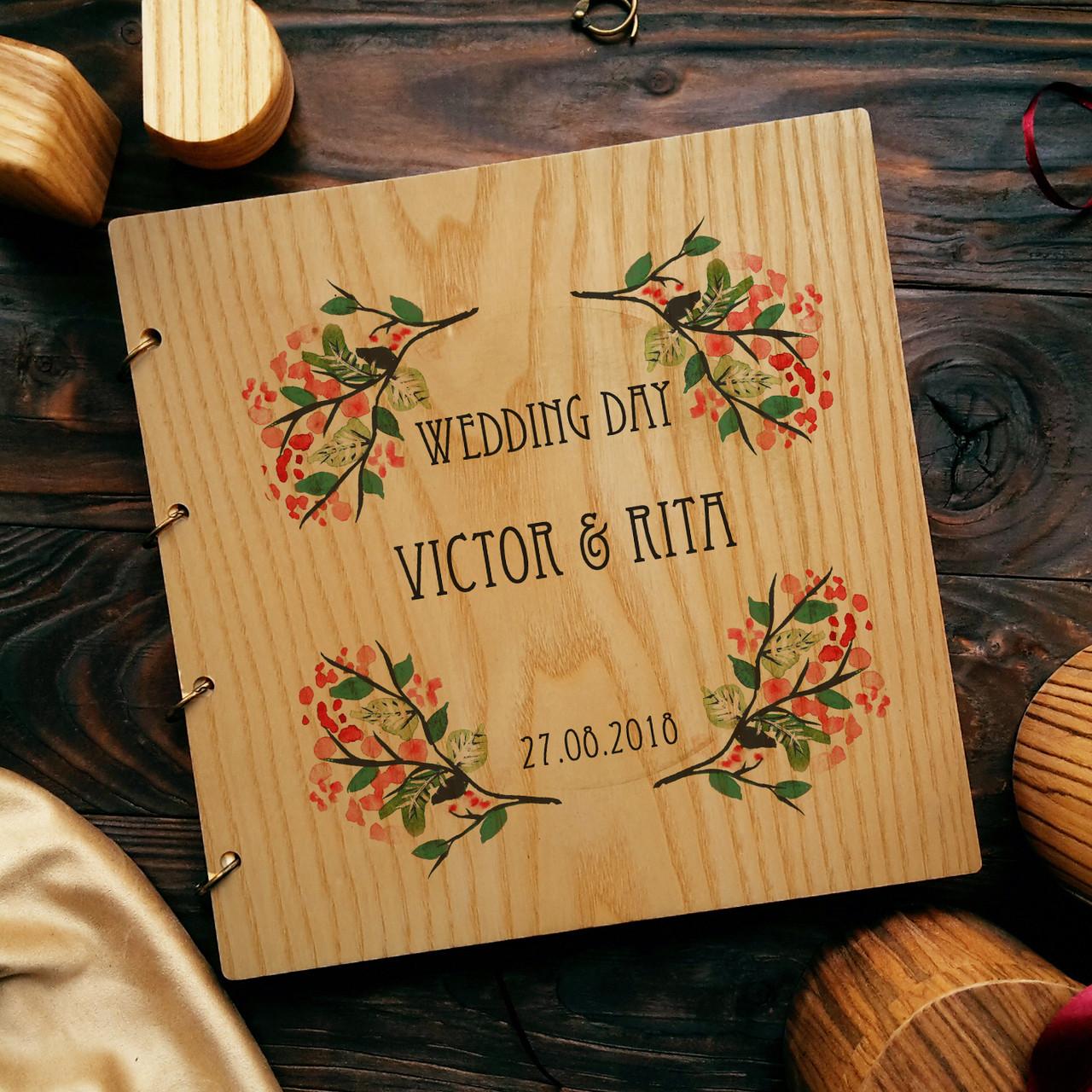 """Свадебная книга поздравлений и пожеланий 22х22 см с деревянной обложкой """"Акварель"""""""
