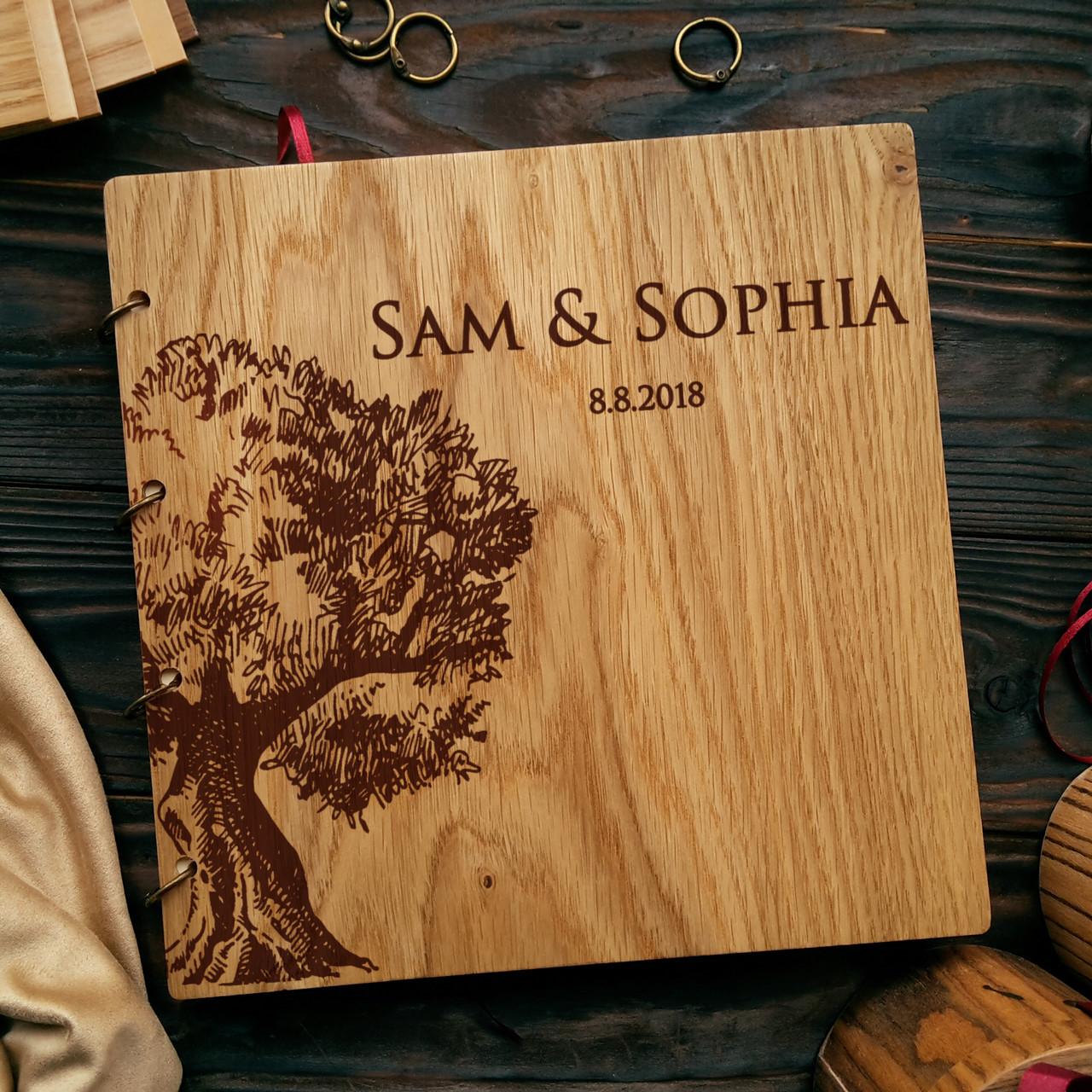 """Свадебная книга поздравлений и пожеланий 22х22 см с деревянной обложкой """"Дерево"""""""