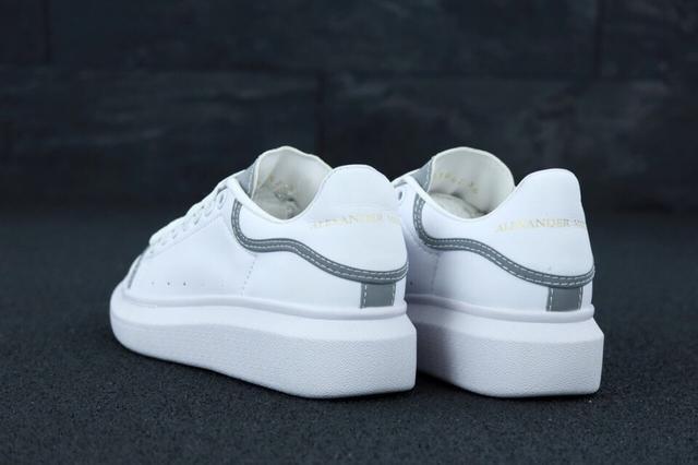 Женские кроссовки Alexander McQueen White Grey Reflective фото