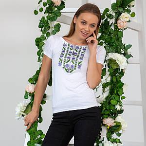 Женская трикотажная футболка с вышивкой Цветы нежные