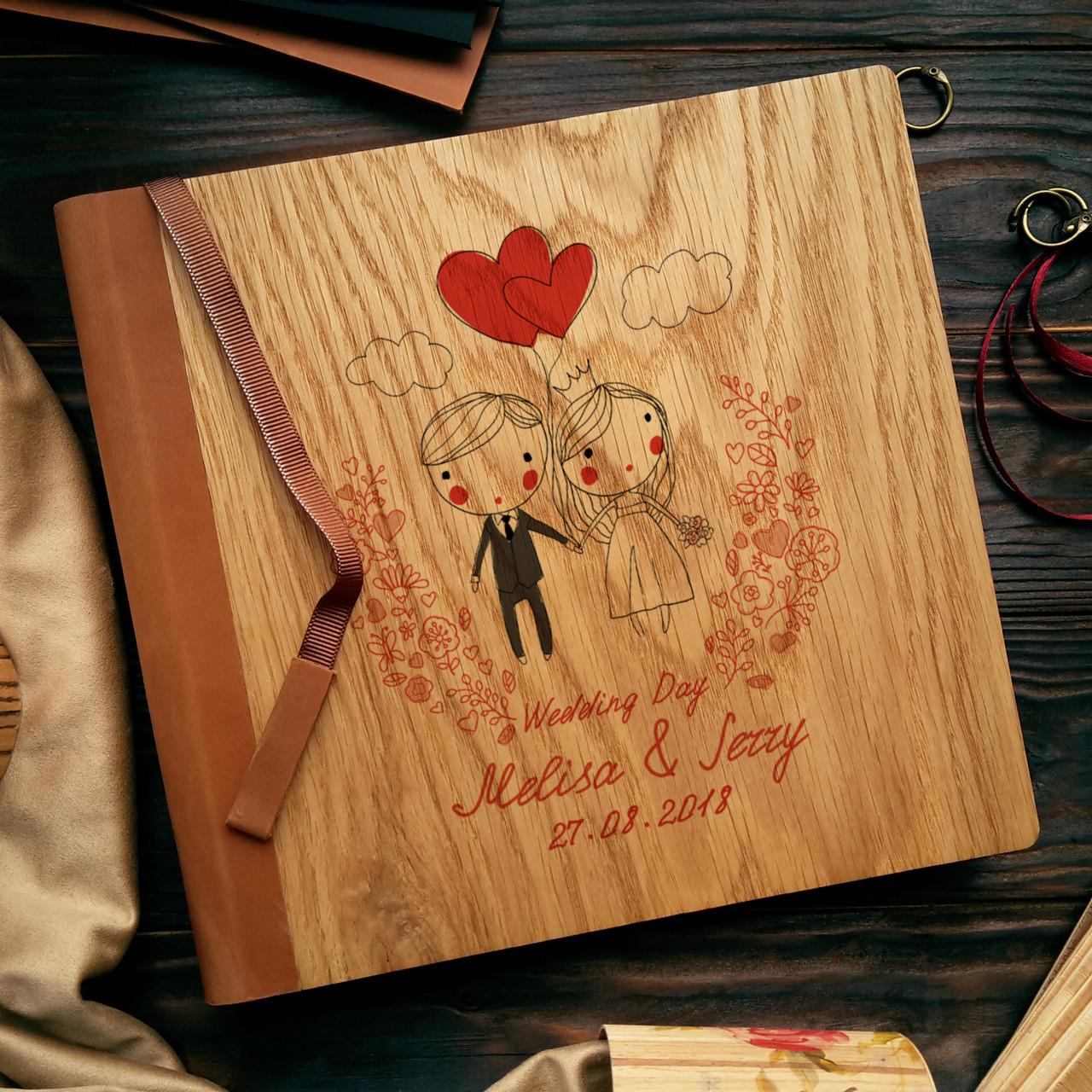 """Деревянная свадебная книга для пожеланий 22х22 см с кожаным корешком """"Двое"""""""