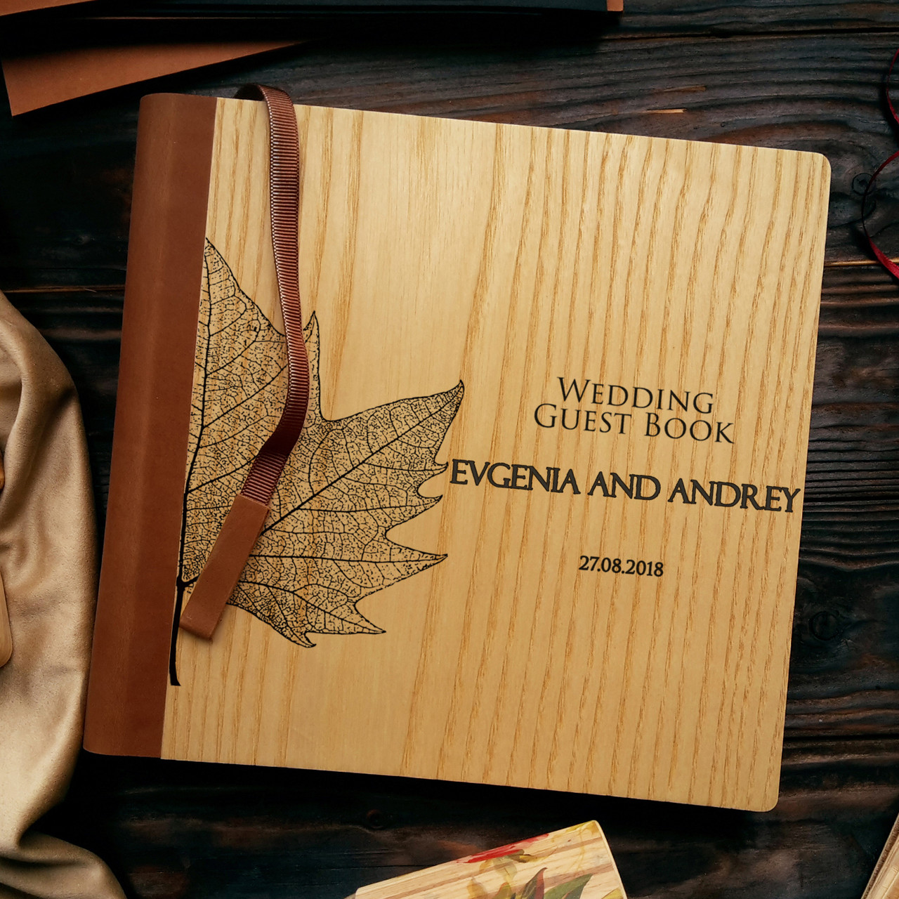 """Деревянная свадебная книга для пожеланий 22х22 см с кожаным корешком """"Кленовый лист"""""""