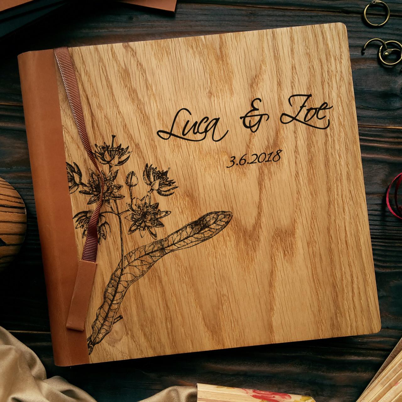 """Деревянная свадебная книга для пожеланий 22х22 см с кожаным корешком """"Цветение липы"""""""