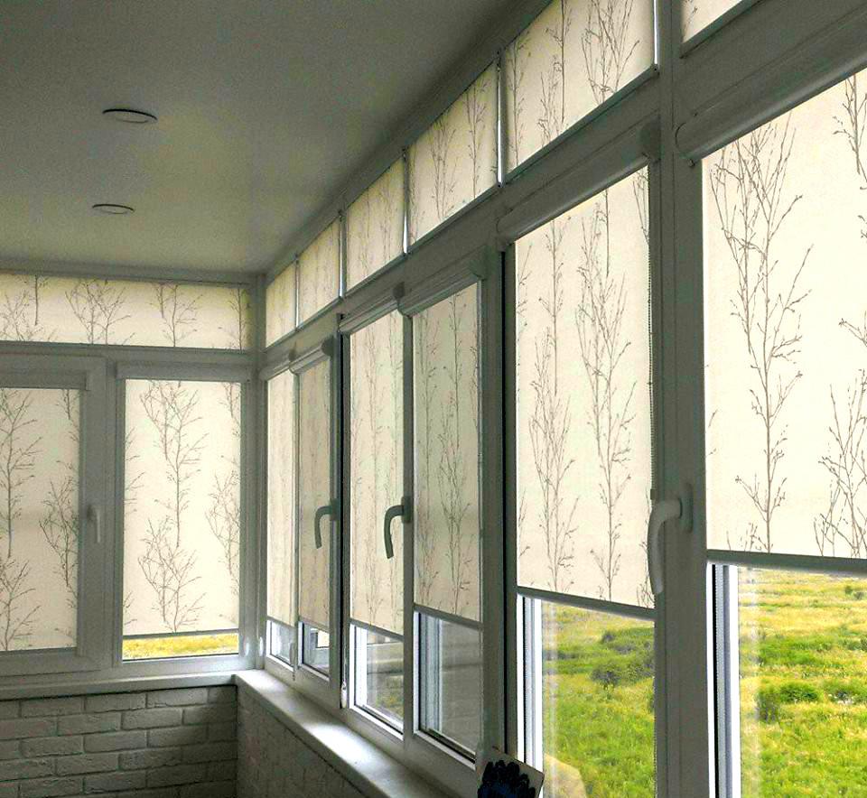 Рулонная штора UNI 17 на балкон