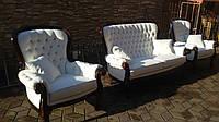 Мягкая мебель в стиле барокко, комплект диван на два места и два кресла.