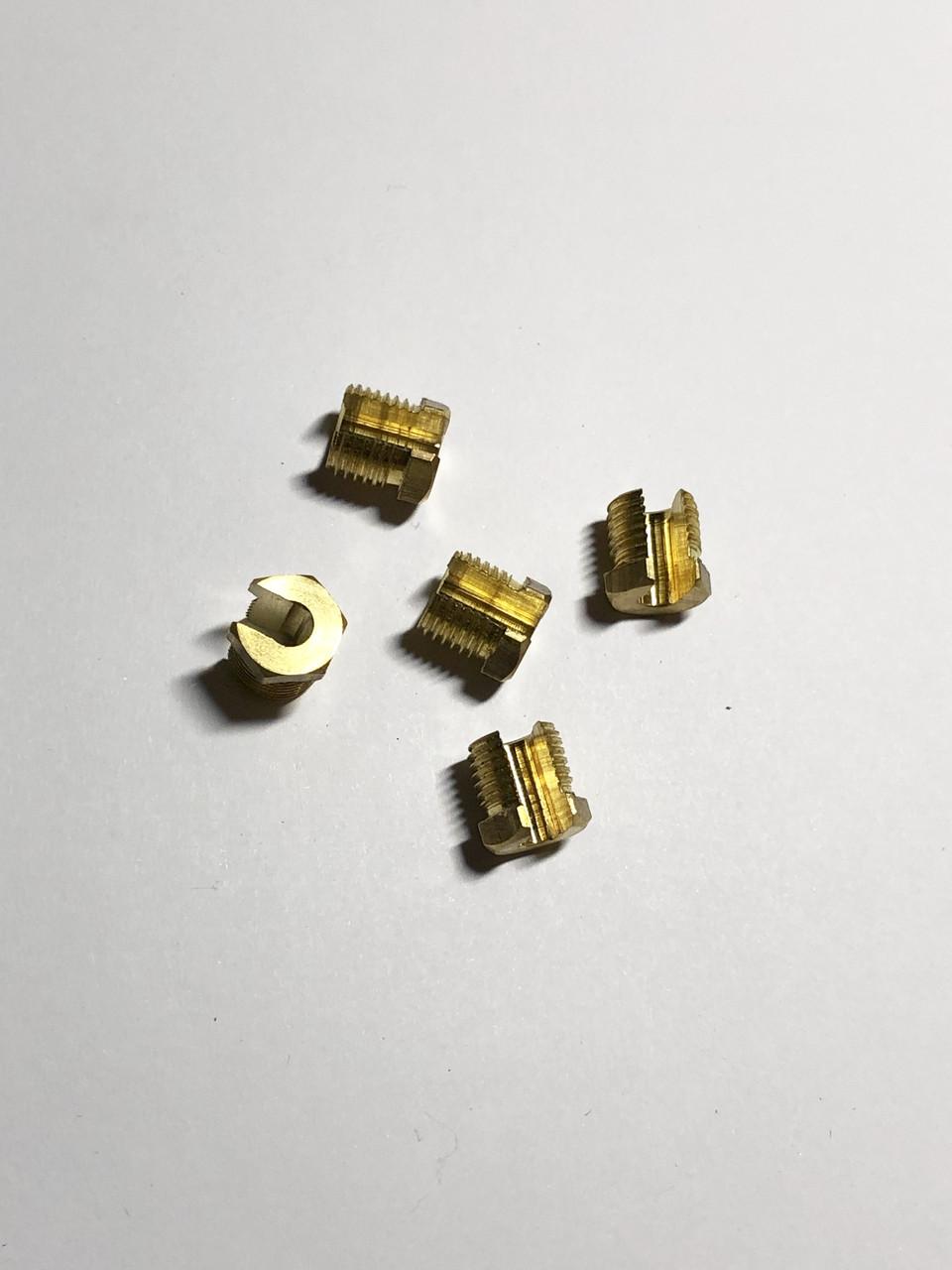 Крепежные комплектующие гайка разрезная М10х1