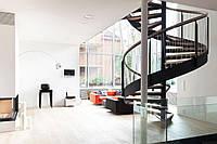Винтовая лестница в доме в стиле Лофт, фото 1