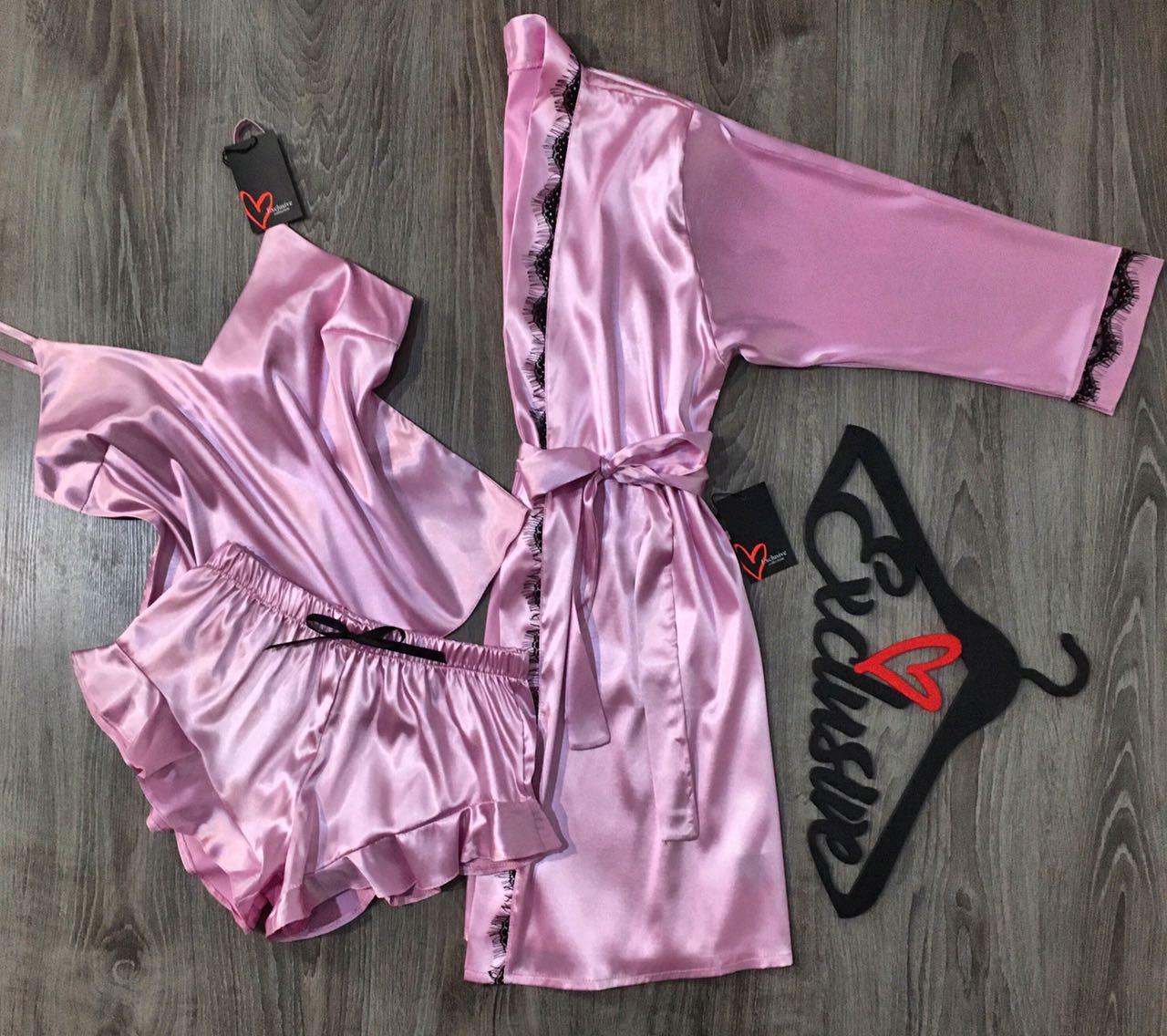 Розовая пижама с высокими шортами и халат-комплект для сна и дома.