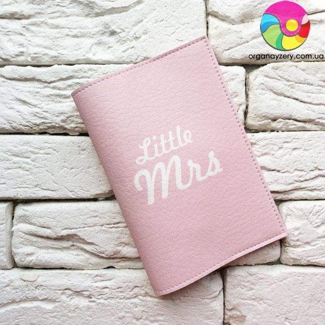 Обкладинка на паспорт Little Mrs