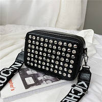 Маленькая женская прямоугольная сумка с камнями и заклепками черная, фото 1