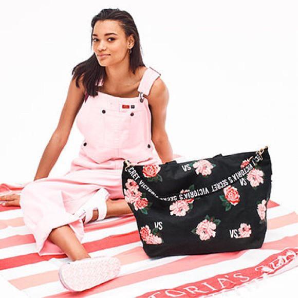 Пляжное покрывало Victoria's Secret Pink