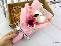 Хороший подарок для любого торжества букет из сухоцветов
