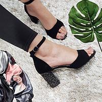 Босоножки женские черные замшевые на каблуке