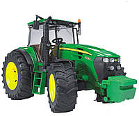 03050 Bruder трактор John Deere