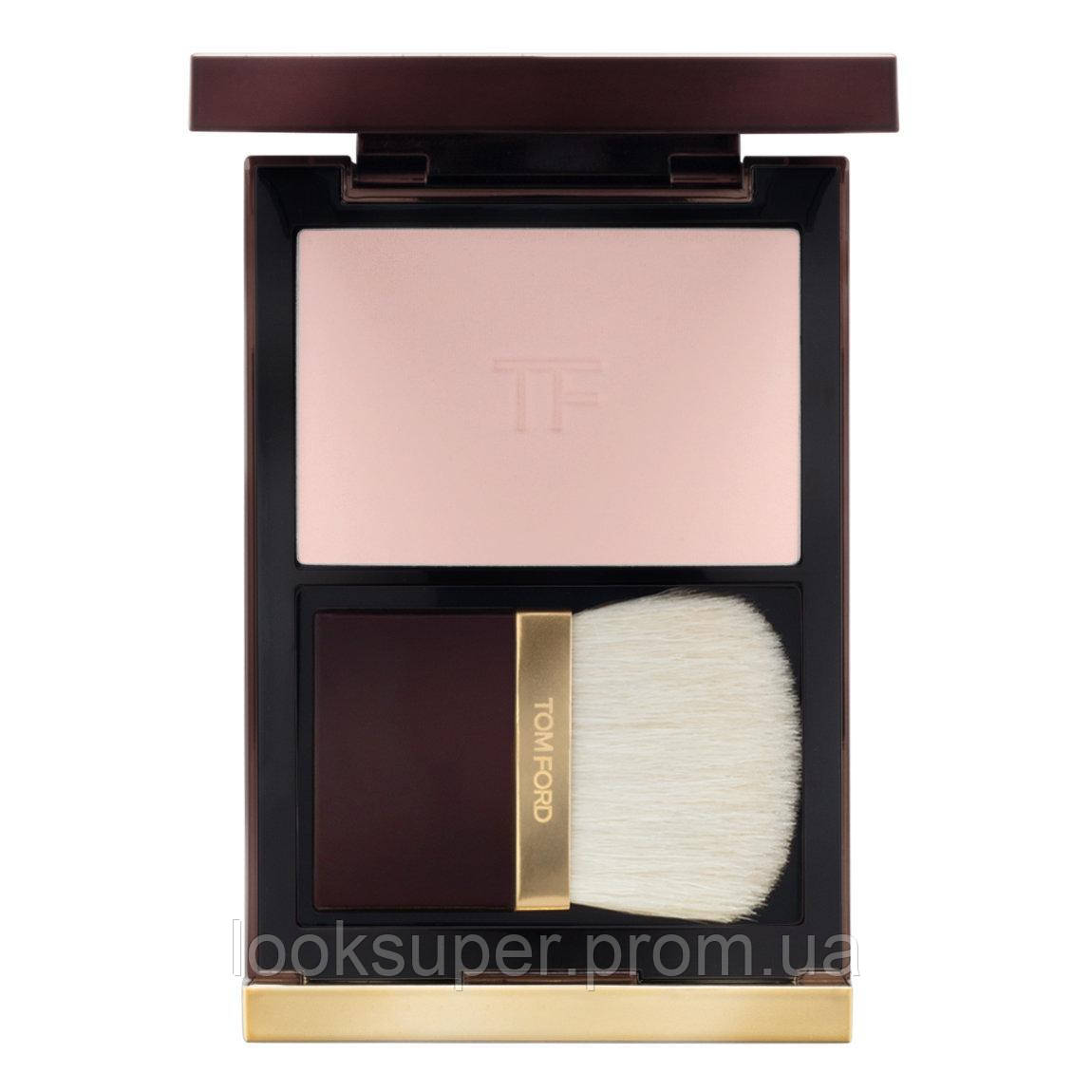 Пудра TOM FORD  ILLUMINATING POWDER  TRANSLUCENT PINK
