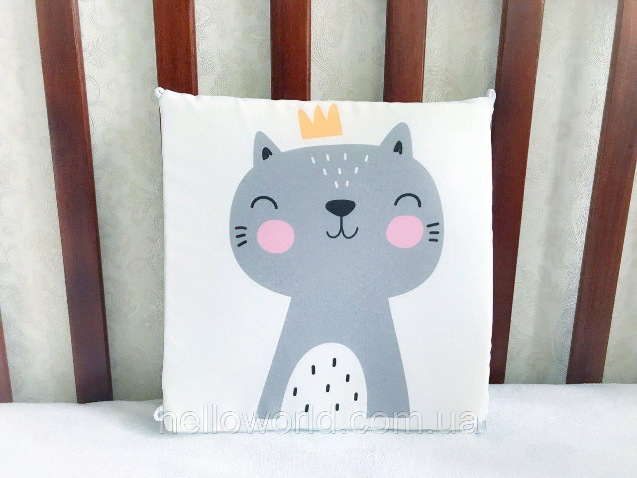 Бортик Серый кот с золотой короной