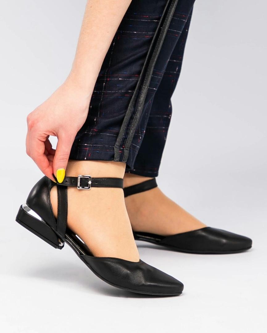 Туфли женские открытые с ремешками черные