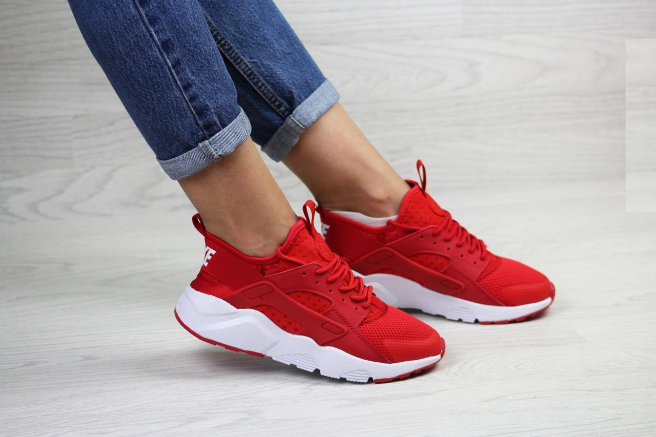 Женские кроссовки Nike Huarache (красные)