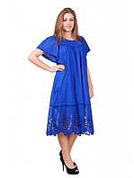 Яркое летнее платье  для полных женщин модного кроя
